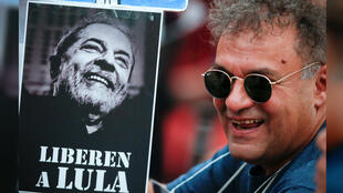 Manifestantes piden la libertad del expresidente de Brasil Luiz Inácio Lula Da Silva. Buenos Aires, Argentina, el 19 de noviembre del 2018.