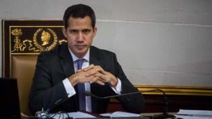 El jefe del Parlamento de Venezuela, Juan Guaidó, durante un pronunciamiento en Caracas el 9 de julio de 2019.
