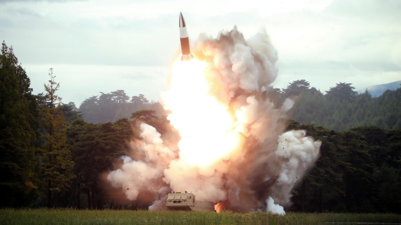 La Agencia Central de Noticias de Corea del Norte publicó una fotografía del lanzamiento de un misil, el 16 de agosto de 2019.