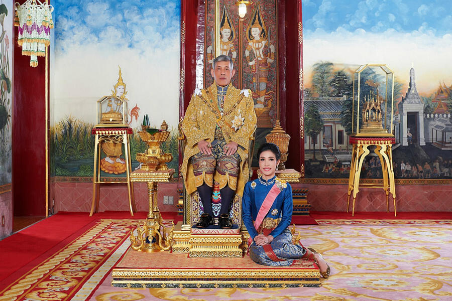 Newly married Thai king shows off his official royal consort