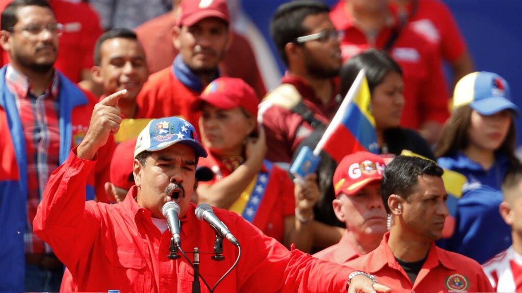 El presidente Nicolás Maduro habla durante un mitin en apoyo al oficialismo y para conmemorar el vigésimo aniversario de la llegada a la presidencia del fallecido presidente Hugo Chávez, en Caracas, Venezuela,el 2 de febrero de 2019.