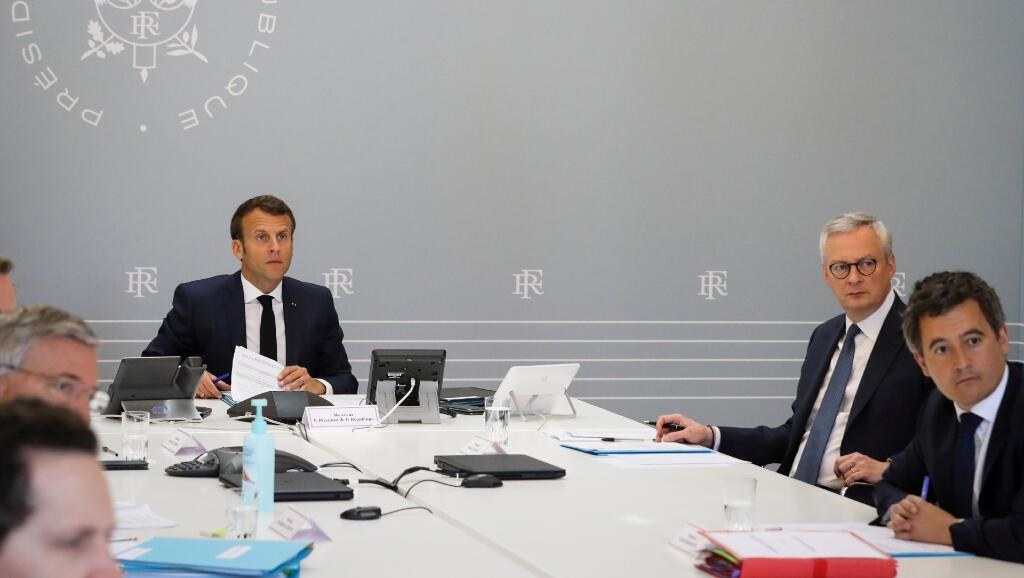 El 24 de abril de 2020, el presidente de Francia, Emmanuel Macron, y sus ministros de Economía y de Acciones Públicas tuvieron una charla virtual con los representantes de los hoteles y del sector comercial respecto a las medidas frente al Covid-10.