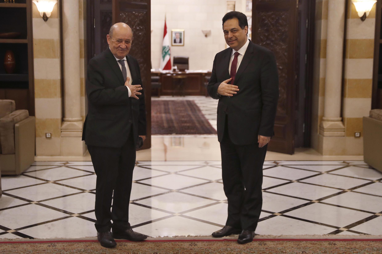 رئيس الوزراء اللبناني حسان دياب، يستقبل وزير الخارجية الفرنسي جان إيف لودريان في مقر الحكومة في بيروت، لبنان، الخميس 23 يوليو/تموز 2020