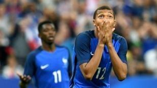 كيليان مبابي في تشكيلة المنتخب الفرنسي