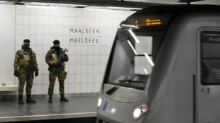 La station de métro bruxelloise a rouvert lundi 25 avril sous haute sécurité.