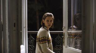 """Kristen Stewart à la recherche de l'esprit de son frère dans """"Personal Shopper"""" d'Olivier Assayas"""