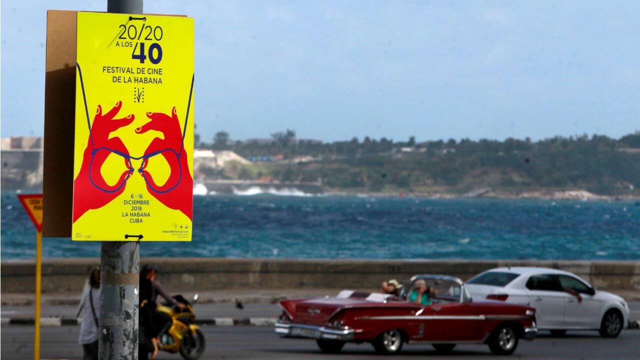 Vista del cartel oficial de la 40 edición del Festival del Nuevo Cine Latinoamericano en La Habana, Cuba.