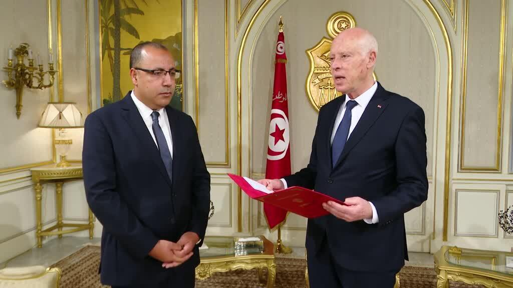 الرئيس قيس سعيد كلف اليوم السبت وزير الداخلية هشام المشيشي بتشكيل حكومة جديدة.