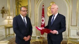 الرئيس قيس سعيد كلف اليوم السبت وزير الداخلية هشام المشيشي  بتشكيل حكومة جديدة