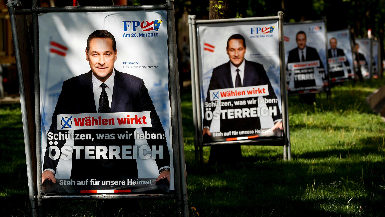 Publicidad de la campaña del entonces Vice Canciller Federal de Austria, Heinz-Christian Strache  y su partido el FPÖ en las calles de Viena de cara a las elecciones parlamentarias europeas. Viena, Austria. Archivo. 10 de mayo de 2019