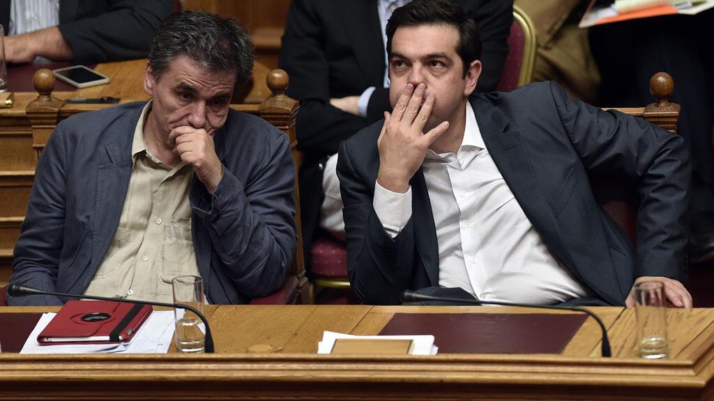 Le Premier ministre grec, Alexis Tsipras, et son ministre des Finances le 15 juillet dernier au Parlement.