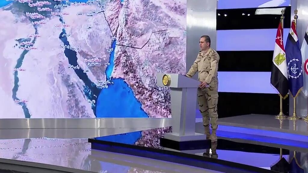 Egyptian army strikes against insurgents in Sinai