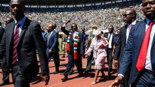 Le président du Zimbabwe, Emmerson Mnangagwa, a prêté serment dans un stade d'Harare, le 26 août 2018.