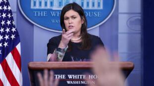 La portavoz de la Casa Blanca, Sarah Sanders anuncia la imposición de sanciones económicas a miembros del Gobierno turco.  Washington, Estados Unidos, 1 de agosto de 2018.