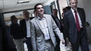 Le premier ministre grec Alexis Tsipras doit rencontrer le président de la Commission européenne Jean-Claude Juncker à Bruxelles.