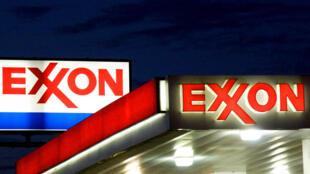 030621-exxon-climat-activist-m
