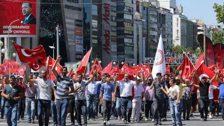 مظاهرات في تركيا احتجاجا على الانقلاب