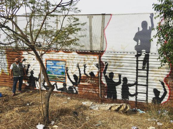 """""""Cette fresque doit envoyer un message positif sur l'immigration."""" Enrique Chiu"""