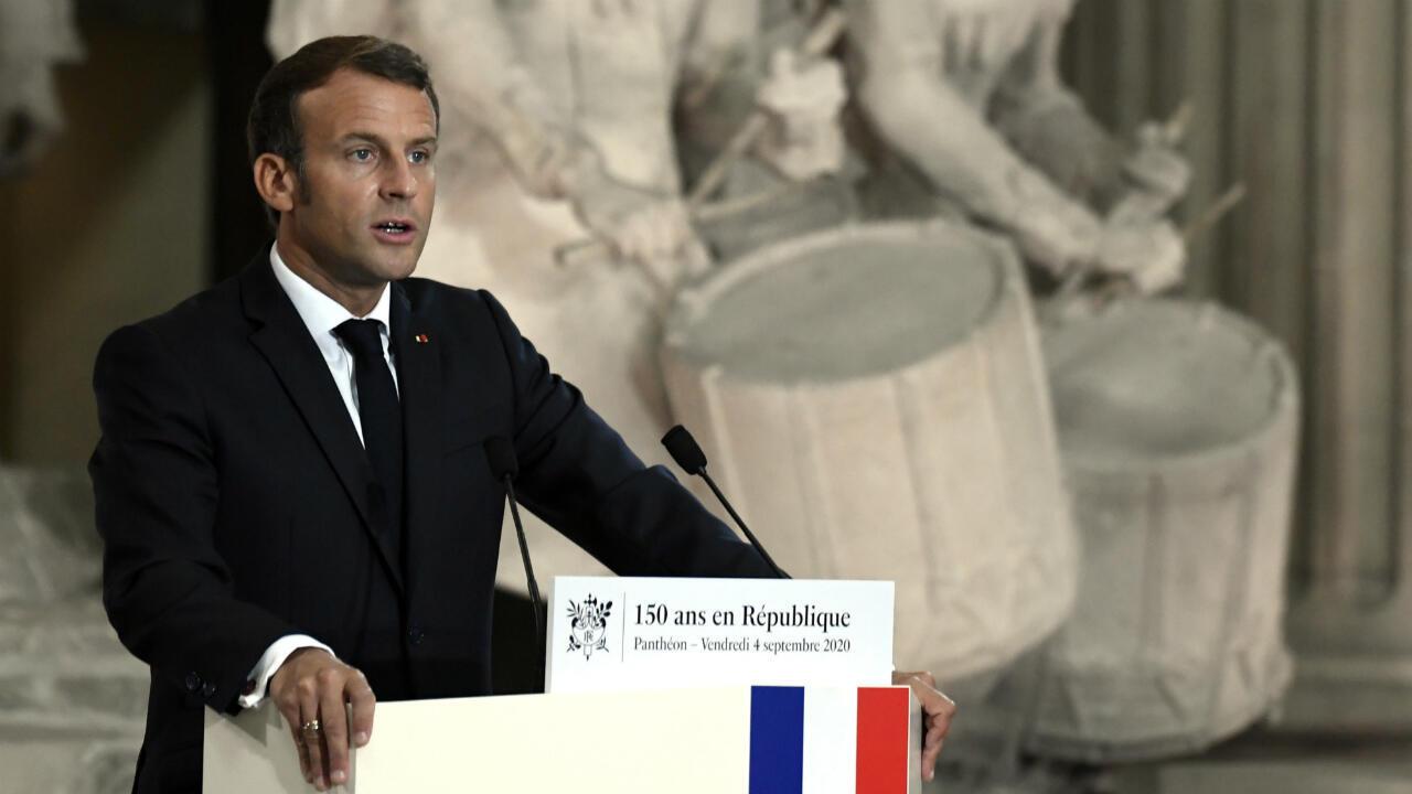 El presidente francés Emmanuel Macron pronuncia un discurso en una ceremonia para celebrar el 150 aniversario de la proclamación de la República en el Panteón, París, Francia, el 4 de septiembre de 2020.