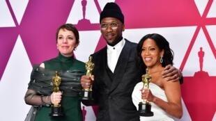 Olivia Coleman, meilleure actrice, Maherasha Ali, meilleur second rôle masculin, et Regina King, meilleur second rôle féminin.