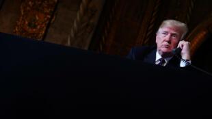 Le président américain est soupçonné d'être l'auteur d'un coup de fil controversé.