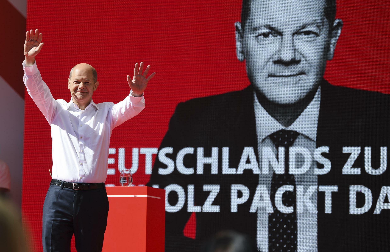 Le ministre allemand des Finances et candidat du parti SPD aux législatives, Olaf Scholz, lors d'un meeting à Munich, le 18 septembre 2021