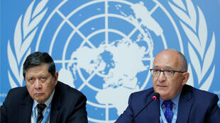 Marzuki Darusman (izq.) y Christopher Sidoti (der.) miembros de la Misión Internacional Independiente de Investigación sobre Myanmar. 18 de septiembre de 2018.