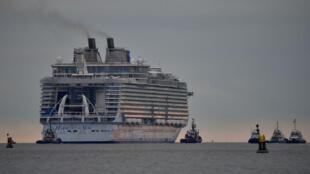 Harmony of the Seas, le plus gros navire de croisière du monde, mesure 362 mètres de long sur 66 de large.