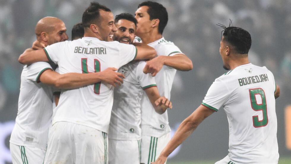 Equipe D Algerie Calendrier.Football Etincelante L Algerie Surclasse La Colombie A Lille