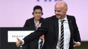 Seul candidat en lice, Gianni Infantino a été réélu à la tête de la Fifa mercredi 5 juin lors du 69e Congrès de la fédération internationale de football à Paris.