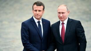 Le président français Emmanuel Macron et son homologue russe Vladimir Poutine à Versailles, le 29 mai 2017.