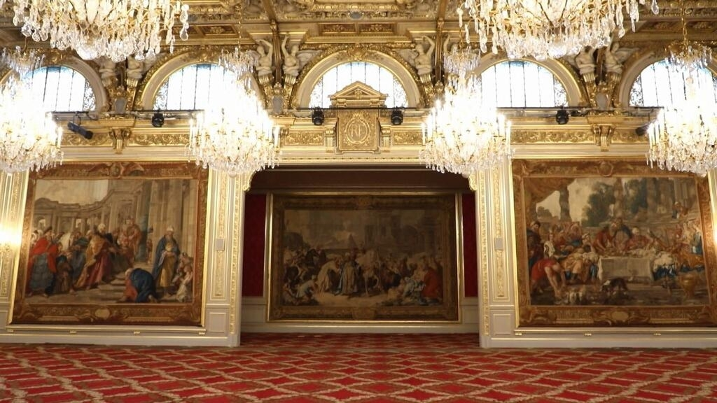 Behind the scenes as France's presidential palace gets a makeover