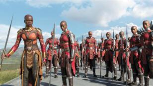 """Les Dora Milaje, l'armée d'élite exclusivement féminine du Wakanda, dans le film """"Black Panther""""."""
