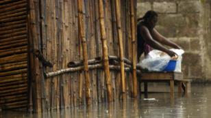 Des inondations dans les rues de Kinshasa en 2012. Le pays est régulièrement victime de pluies torrentielles.