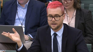 Christopher Wylie, delator del escándalo de Cambridge Analytica, durante su comparecencia en el Parlamento británico. 26/3/18