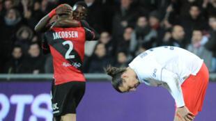 Le PSG de Zlatan Ibrahimovic battu à Guingamp (1-0), dimanche 14 décembre.