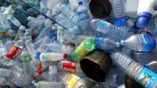 En France, le  taux moyen de recyclage des déchets plastiques s'élève à 20 % environ.