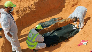 2020-10-28T120828Z_880980644_RC2ORJ95GMF6_RTRMADP_3_LIBYA-SECURITY-MASS-GRAVES