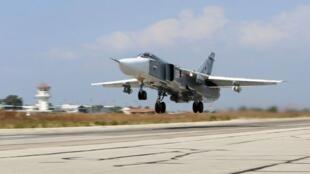 Un Sukhoï russe décollant de la base de Hmeimim, en Syrie, en octobre 2015.