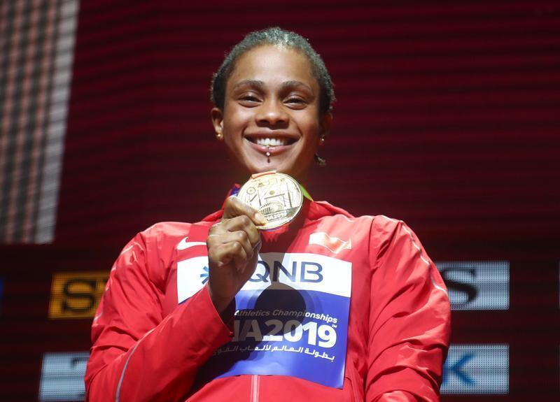 البحرينية سلوى عيد ناصر تحرز ذهبية 400 متر جري