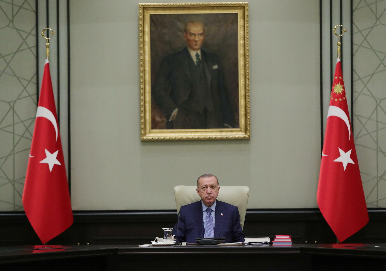 2021-10-25T152111Z_1697628607_RC23HQ98IPWB_RTRMADP_3_TURKEY-SECURITY-KAVALA