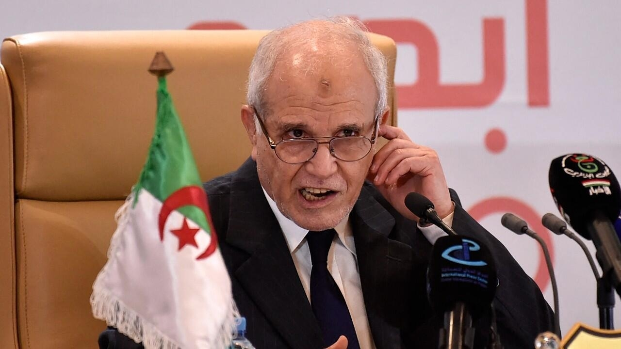 Algeria's establishment FLN wins parliamentary poll
