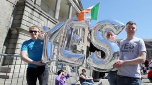 مؤيدون لزواج المثليين في أيرلندا في 23 أيار/مايو 2015