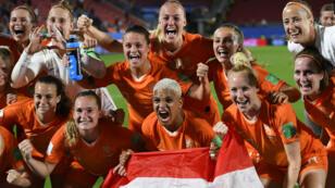 Les Néerlandaises célèbrent leur qualification, le 25 janvier 2019, à Rennes.