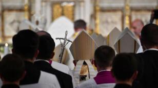 Le pape François arrivant à la cathédrale Saint-Joseph, à Bucarest, le 31 mai 2019.