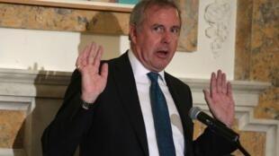 Malgré le soutien de Theresa May, l'ambassadeur britannique aux États-Unis Kim Darroch a annoncé sa démission