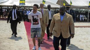 Lionel Messi lors de son voyage au Gabon, le 18 juillet 2015.