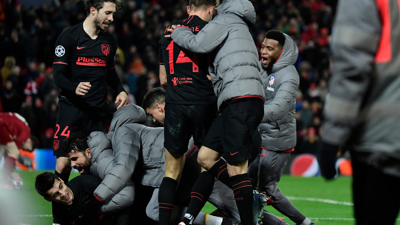 فجر أتلتيكو مدريد مفاجأة كبيرة بإقصائه ليفربول حامل اللقب من ثمن نهائي دوري أبطال أوروبا. 11 مارس/آذار 2020.