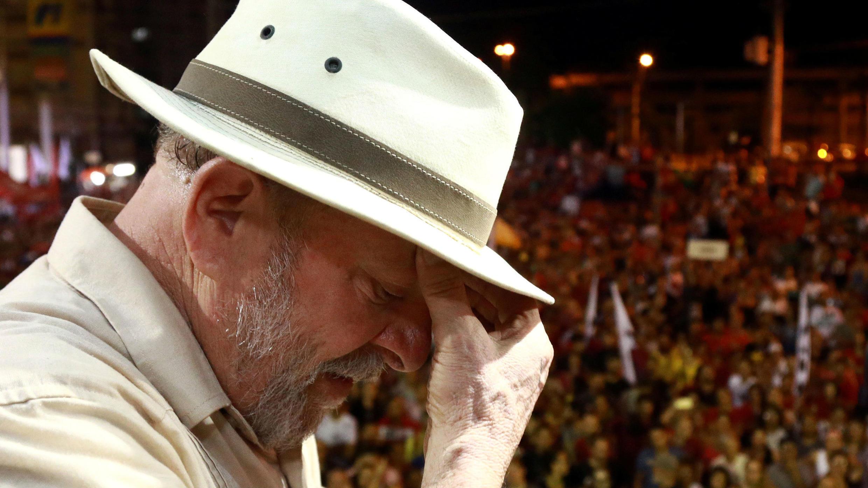 El expresidente brasileño Luiz Inácio Lula da Silva asiste a una manifestación en Sao Leopoldo, estado de Rio Grande do Sul, Brasil, el 23 de marzo de 2018.