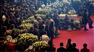El funeral por 19 de las víctimas del colapso fue oficiado por el arzobispo de Génova, el cardenal Ángelo Bagnasco, el 18 de agosto de 2018.
